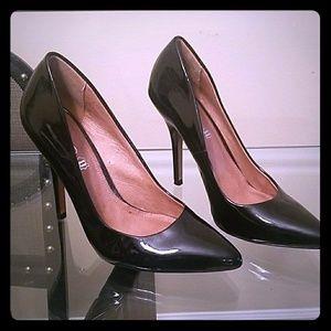 Aldo brand black stilettos